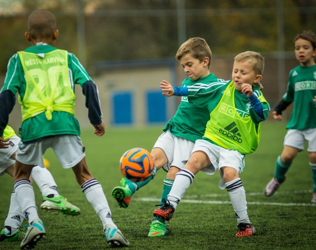 Niños fútbol